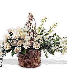roseville-florist-funeral-basket-white.1