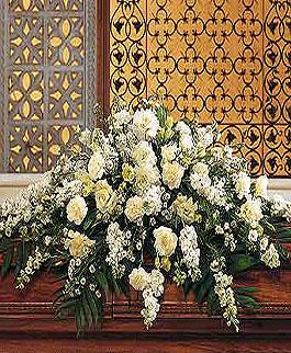 roseville-funeral-florist-white-casket-spray