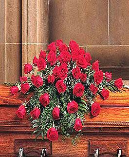 roseville-funeral-flowres-red-rose-casket