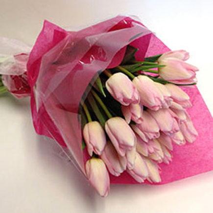 roseville-florist-pink-tulips-wrapped-bouquet-web